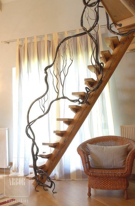 кованые перила в доме фото