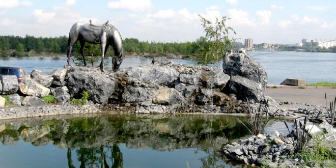 "Sculptural composition ""White Horse"" in Krasnoyarsk"